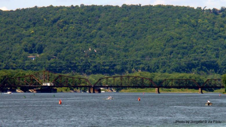 The Mississippi River along La Crosse, WI. Photo by Jongela19 via Flickr.