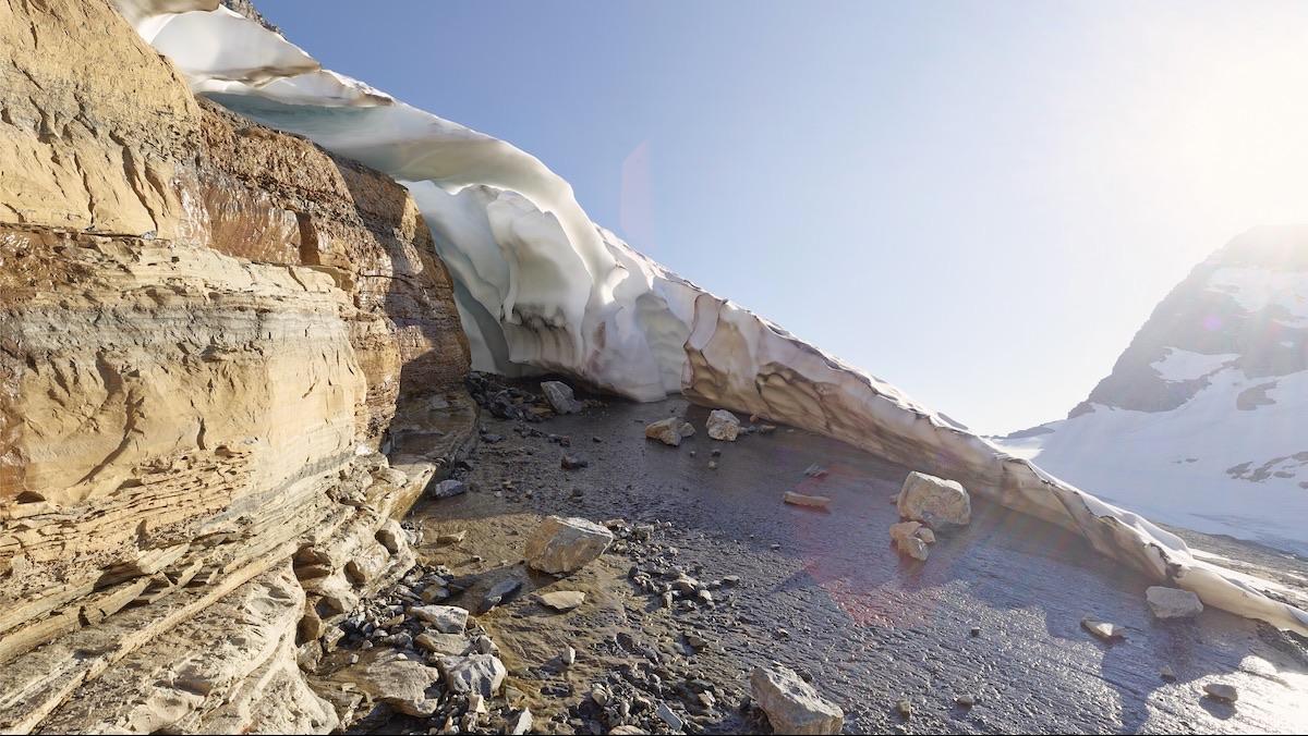 Ian van Coller, Jackson Glacier arch.