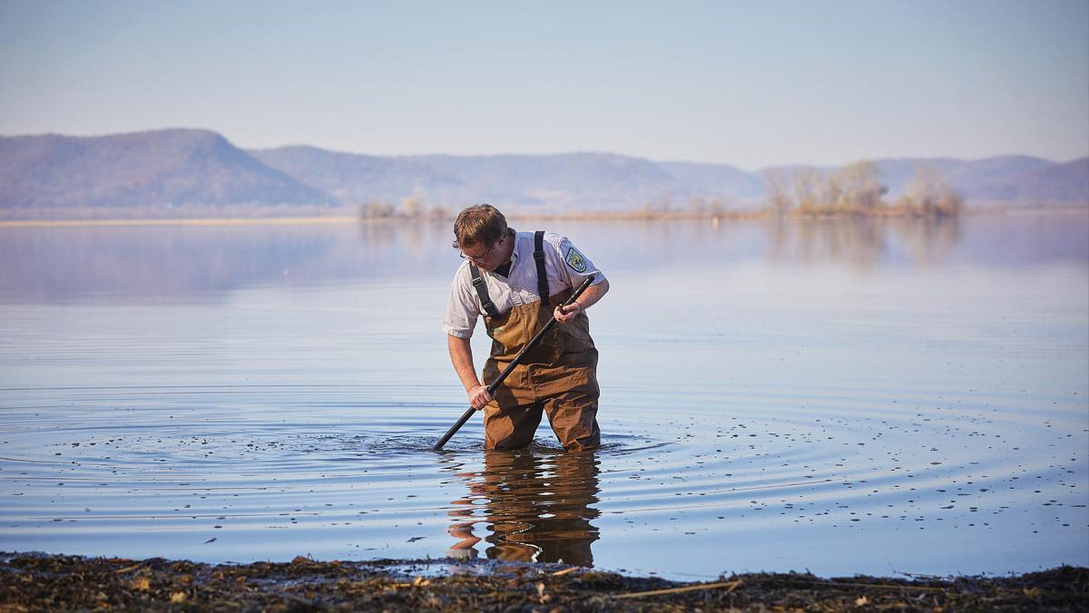 Based at the La Crosse Fish Health Center, which is part of the U.S. Fish and Wildlife Service, biologist Eric Leis investigates unexplained mussel deaths around the world. Photo by Michael Lieurance/UW–La Crosse.